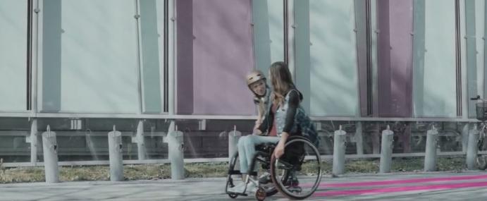 Julia Torla w reklamie T-Mobile